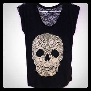 Skull top with lacy back